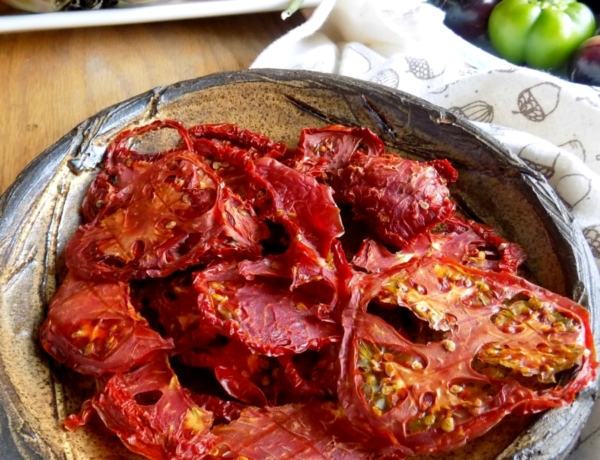 Dehydrating Tomatoes and Tomato Powder