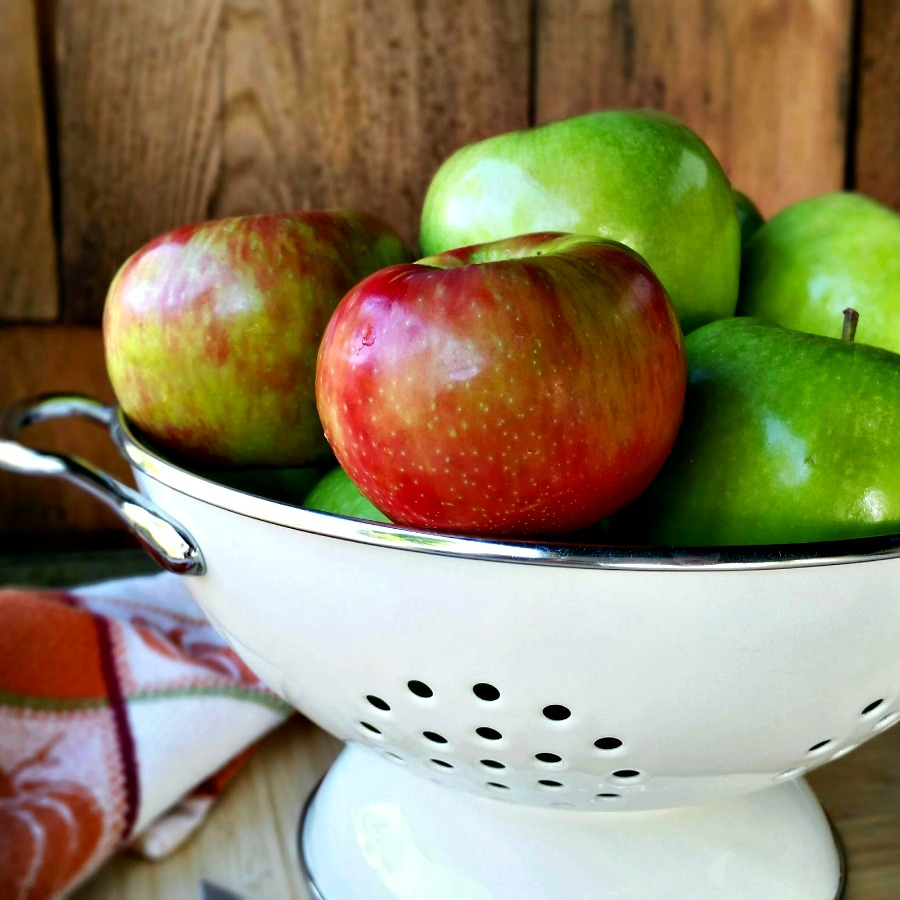 The Easiest Homemade Apple Butter Ever
