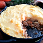 Cottage Pie - Homemade Cottage Pie with a Rich Gravy and Topped with Buttery Mashed Potatoes