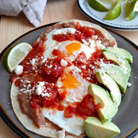 Delicious and Easy Huevos Rancheros Recipe